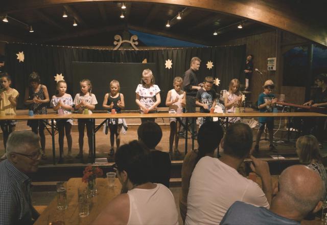 Immer wieder neue Darbietungen bei der Vollmondshow in Steinegg