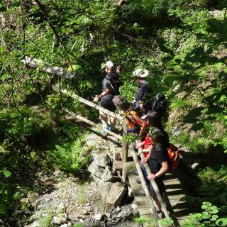 Spannende Wanderwege bei geführten Wanderwochen Südtirol Steinegg