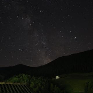Sternenhimmel über Steinegg von der Dachterrasse Sterngucker aus fotografiert