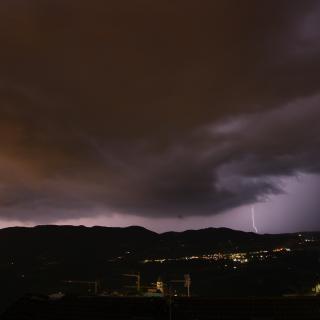 Wetterleuchten über Steinegg Blitze zucken nachts